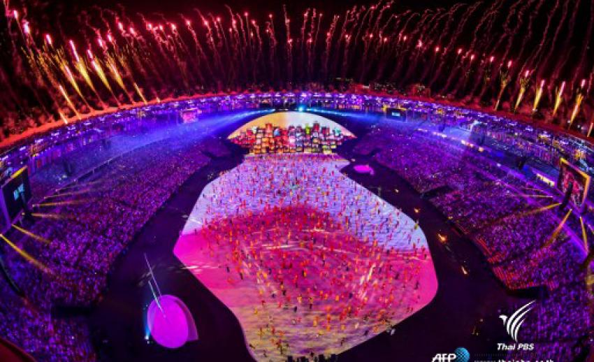 เปิดฉากโอลิมปิกริโออย่างเป็นทางการ อดีตนักวิ่งบราซิลจุดคบเพลิง