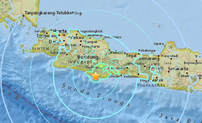 เกิดแผ่นดินไหว ขนาด 6.5 บนเกาะชวา อินโดนีเซีย เร่งอพยพ - เสียชีวิต 1 คน