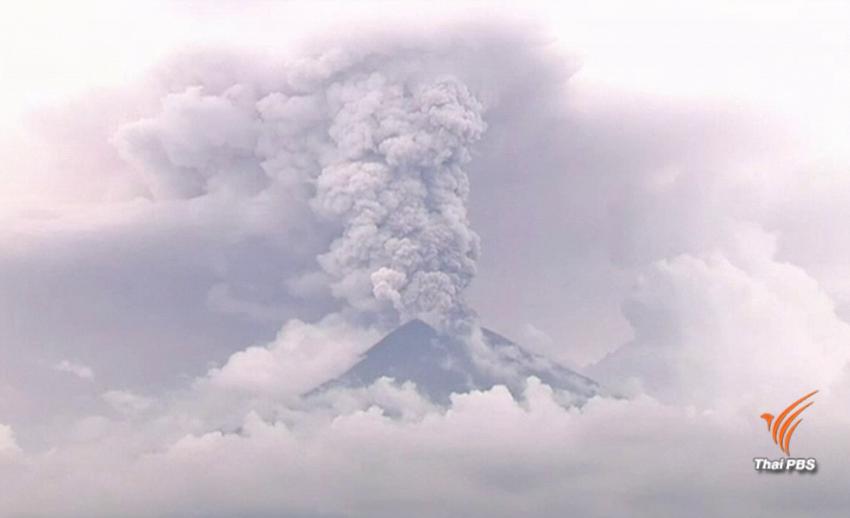 """ยังน่าห่วง """"ภูเขาไฟอากุง"""" บนเกาะบาหลี เสี่ยงระเบิด"""