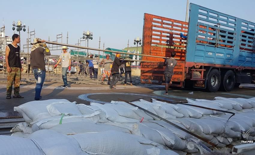 """เทศบาลนครนนทบุรี ยกเลิกจัดงาน """"ลอยกระทง"""" เฝ้าระวังน้ำท่วม"""