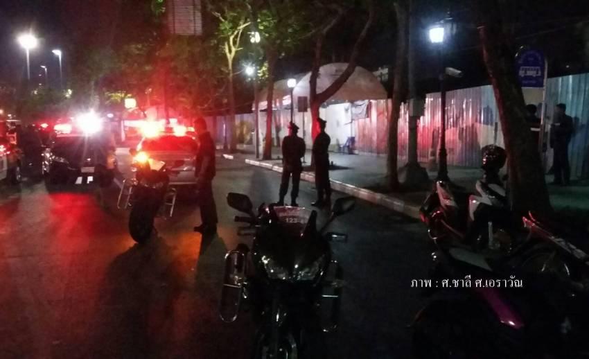 เกิดเสียงดังคล้ายระเบิด 2 จุดบริเวณกองสลากเก่า - ธนาคารออมสิน บาดเจ็บ 2 คน