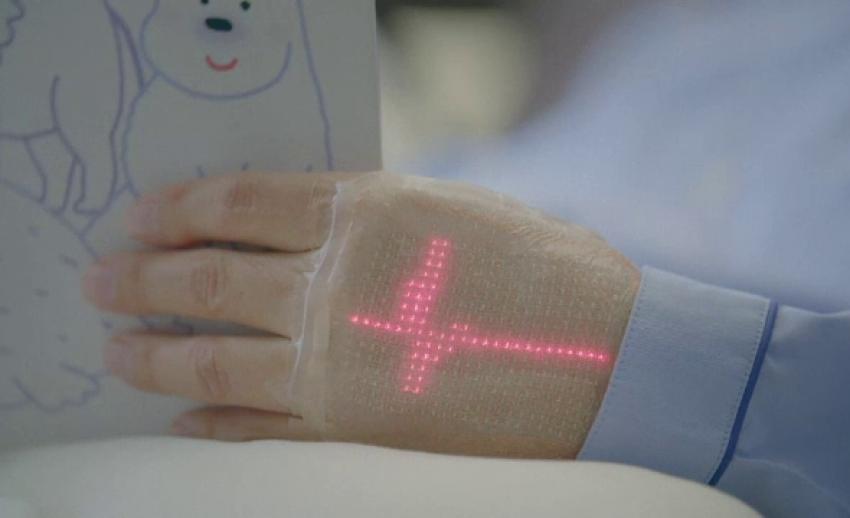 ญี่ปุ่นคิดค้นผิวหนังอิเล็กทรอนิกส์ อุปกรณ์เฝ้าติดตามสุขภาพสุดล้ำ