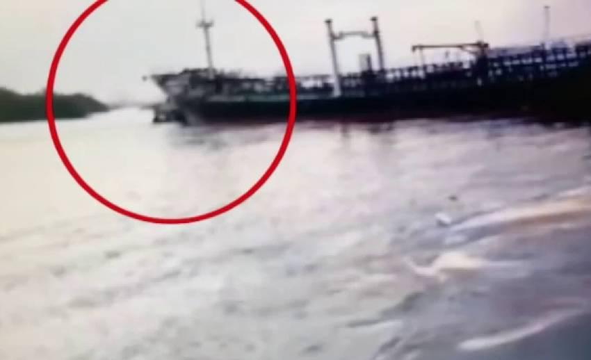 เรือน้ำมันชนเรือปูนซีเมนต์กลางแม่น้ำเจ้าพระยา
