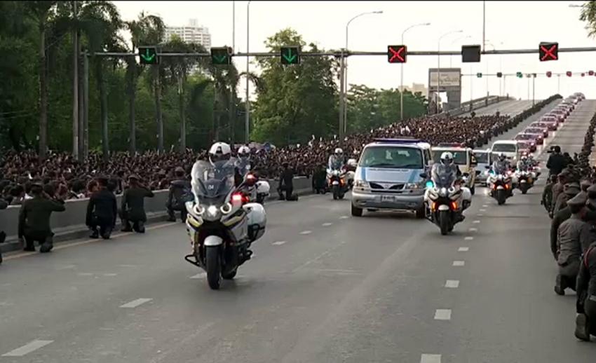 2559 ปีแห่งความสูญเสียของพสกนิกรไทย ในหลวงรัชกาลที่ 9 สวรรคต