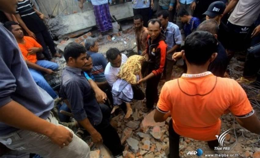แผ่นดินไหวอินโดนีเซีย ตายแล้ว 97 คน ยังติดอยู่ใต้ซากหลายสิบชีวิต