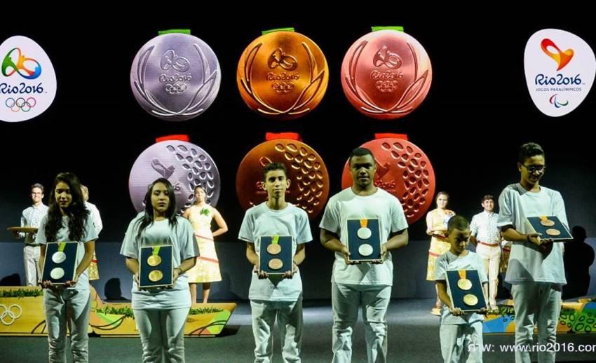 """""""บราซิล"""" เปิดตัวเหรียญโอลิมปิก-พาราลิมปิก 2016"""