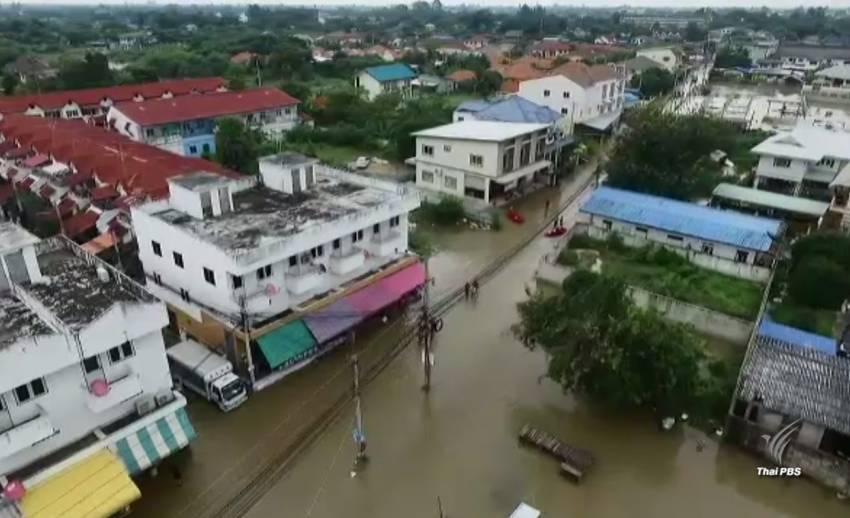 กรมชลประทานเสริมคันกั้นน้ำ ป้องน้ำไหลย้อนท่วมเมืองเพชรบุรีซ้ำ
