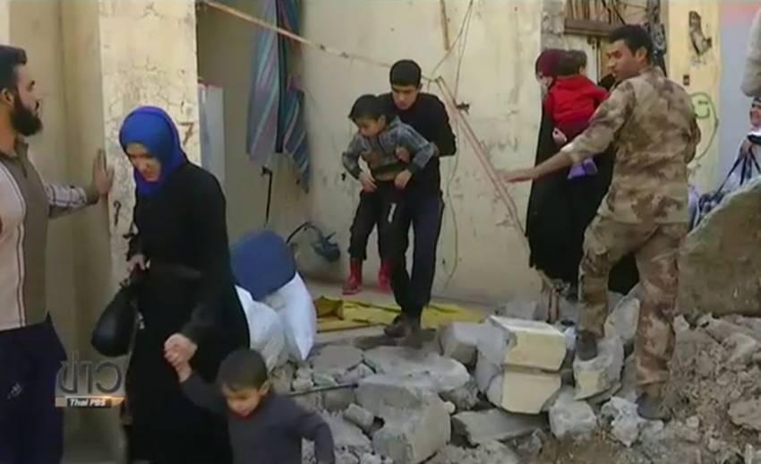 ชาวเมืองโมซูลอพยพหนีภัยสู้รบกองทัพอิรัก-ไอเอส