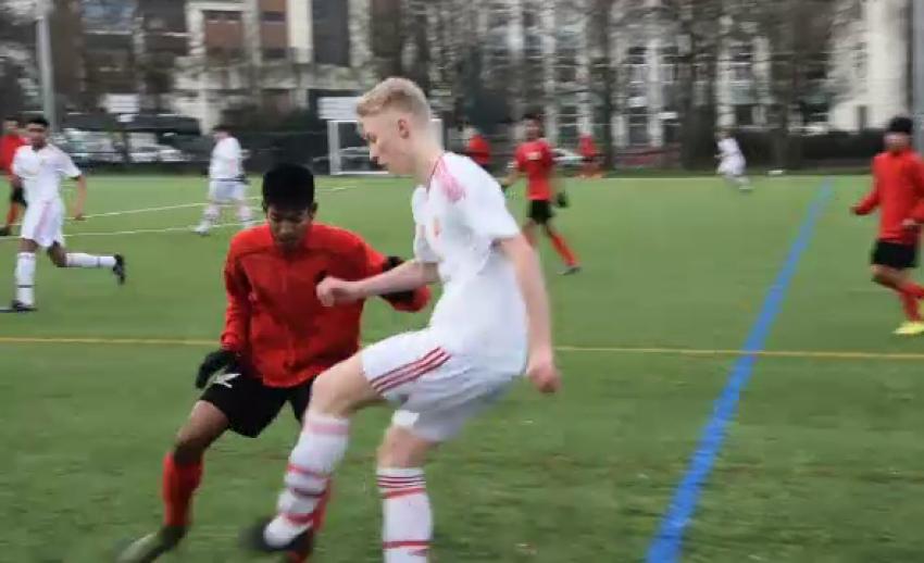 นักเตะเยาวชนไทยชาวอาข่า คว้าโอกาสฝึกฟุตบอลที่อังกฤษ