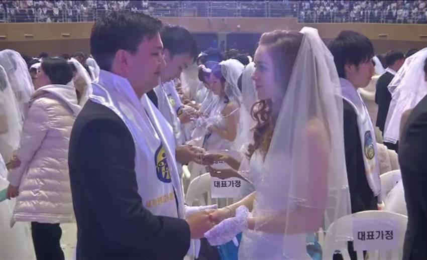 โบสถ์แห่งความสามัคคีจัดสมรสหมู่ 3,000 คู่ในเกาหลีใต้