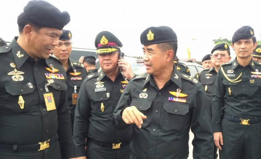 กองทัพบกตั้งจุดพักรองรับประชาชนที่เดินทางเข้ามาถวายสักการะ