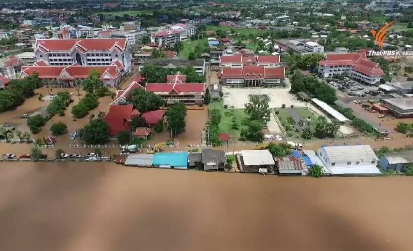 """ชมภาพ """"จุดน้ำลอดพนังป้องกันน้ำท่วม"""" ต้นเหตุน้ำท่วมเมืองสุโขทัย"""