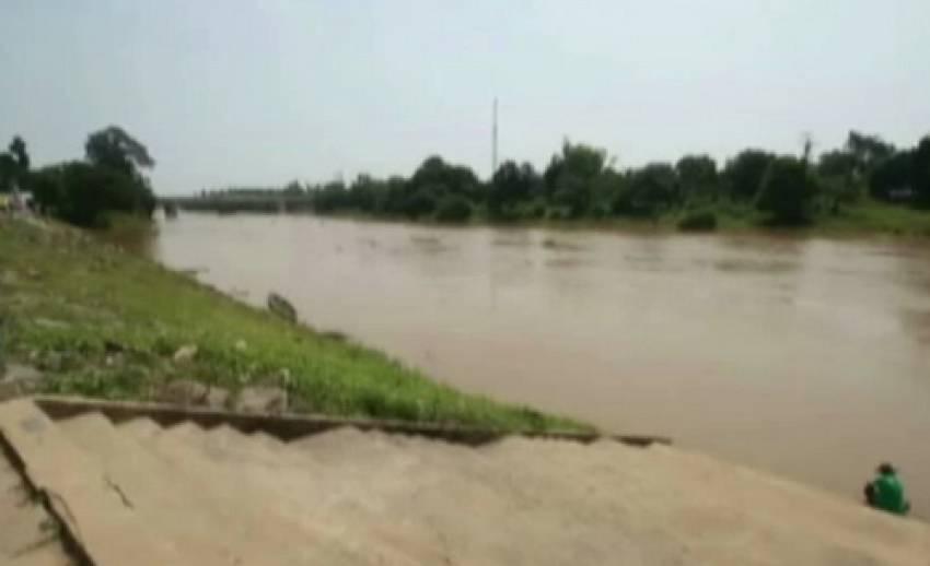 จ.มหาสารคาม เตือนประชาชนเฝ้าระวังน้ำท่วม หลังระดับน้ำในแม่น้ำชีเพิ่มสูงขึ้น