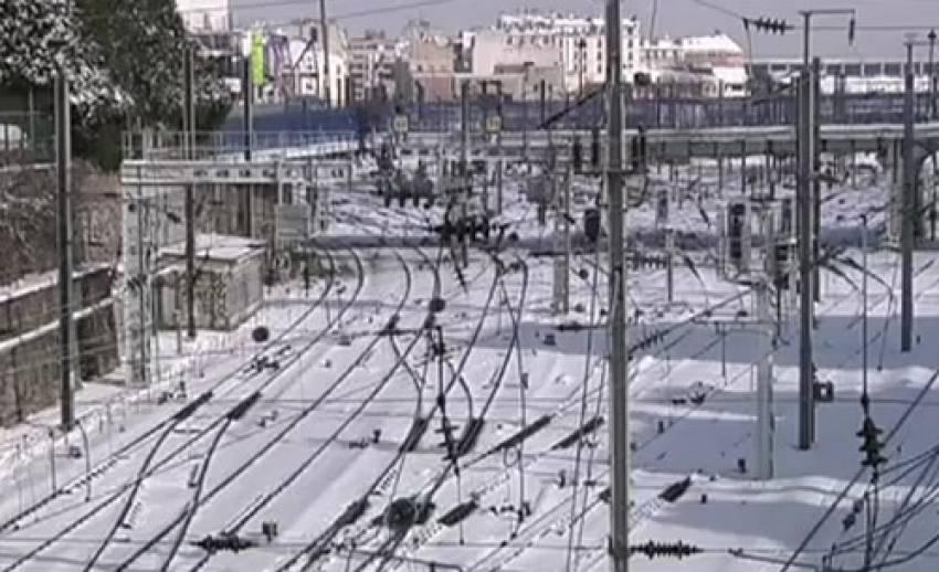 ยุโรปยังคงเผชิญหิมะตกหนัก การสัญจรเป็นไปด้วยความลำบาก