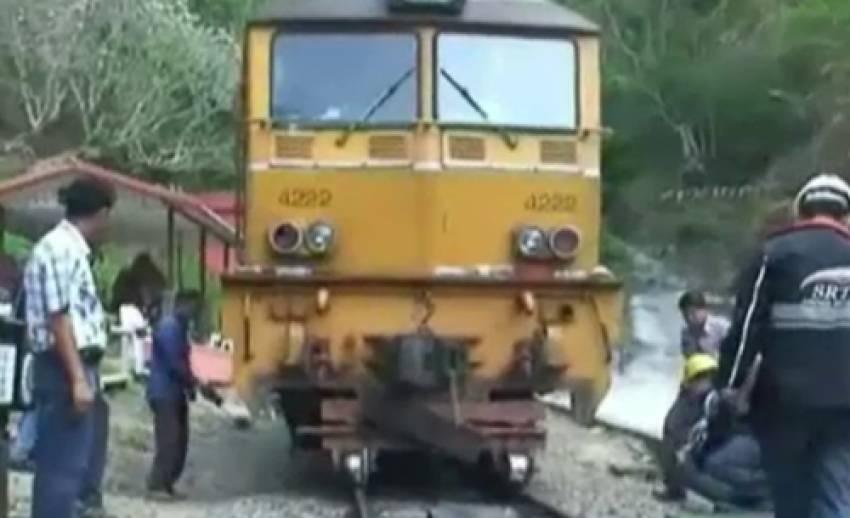รถไฟสายเหนือที่ตกรางในลำปางวิ่งได้ตามปกติแล้ว หลังจนท.กู้ขบวนได้สำเร็จ