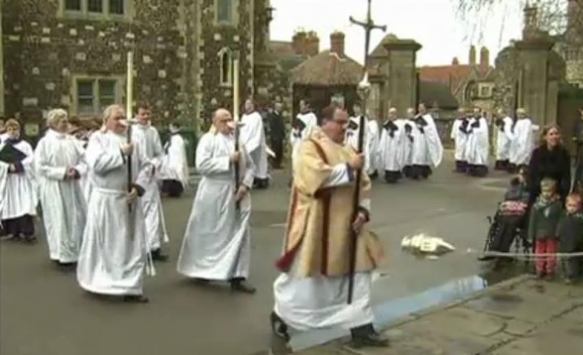 ชาวอังกฤษร่วมฉลองเทศกาลวันอีสเตอร์