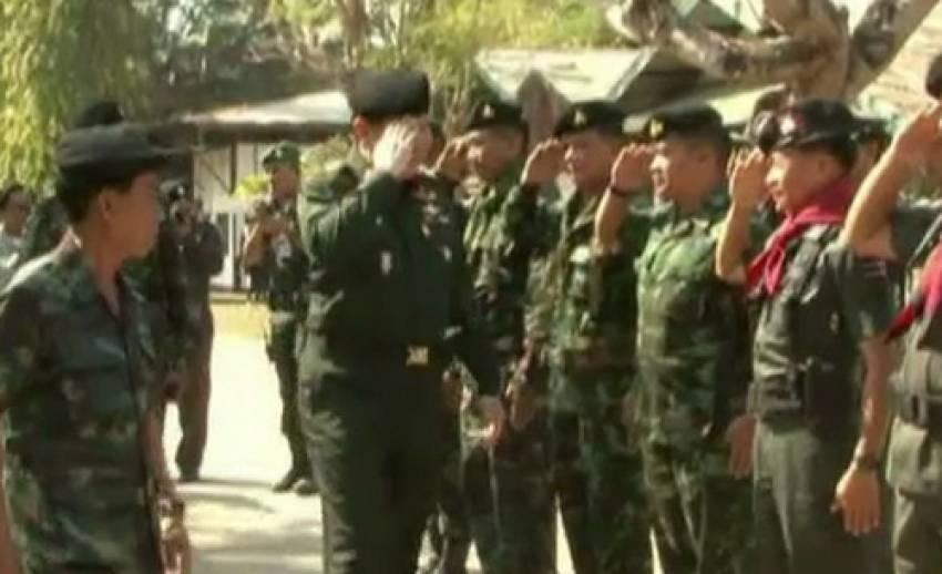 """ผบ.สส.ลงพื้นที่ชายแดน """"ไทย-กัมพูชา"""" เยี่ยมให้กำลังทหารในพื้นที่"""
