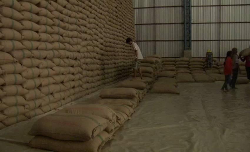 เกษตรกรสร้างโกดังเก็บข้าวมากขึ้น ผลจากโครงการรับจำนำข้าว