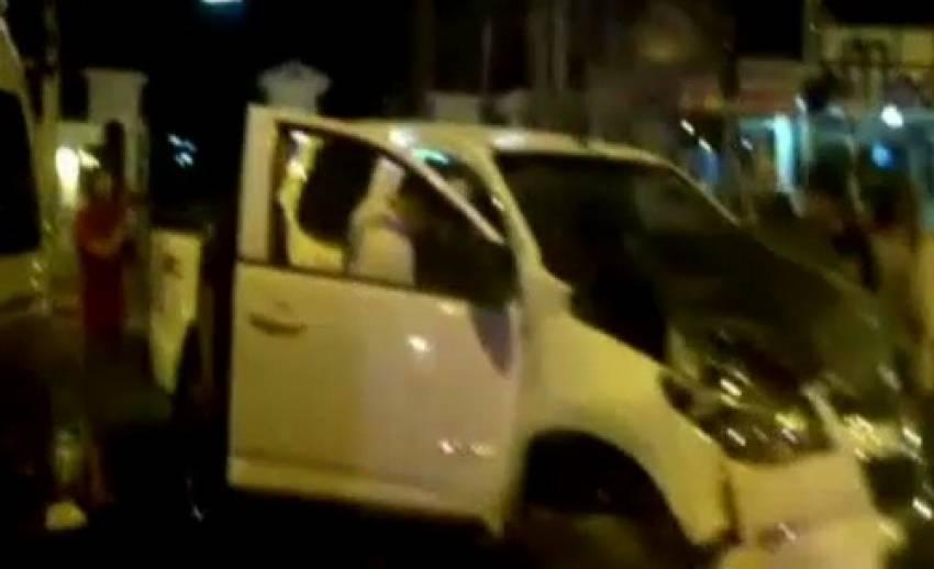 เกิดอุบัติเหตุรถกระบะชนรถตู้ใน จ.ชลบุรี บาดเจ็บ 7 คน