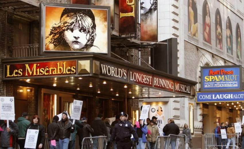 มองละครเวทีไทยผ่าน Les Miserables