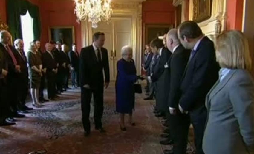 สมเด็จพระราชินีนาถอลิซาเบ็ธสองแห่งอังกฤษทรงร่วมประชุม ครม.ครั้งแรก