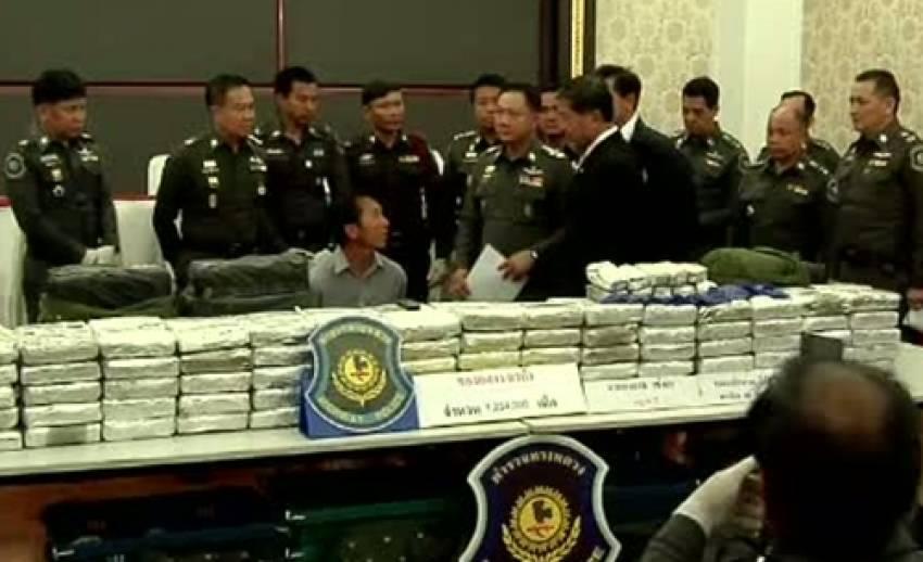 ตั้งด่านตรวจค้นยาเสพติดภาคเหนือ กันลักลอบเข้าไทยช่วงปีใหม่