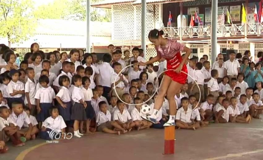 """นักตะกร้อลีลาจากมัณฑะเลย์ ถ่ายทอด """"ชินลง"""" สู่ลูกหลานแรงงานข้ามชาติในไทย"""