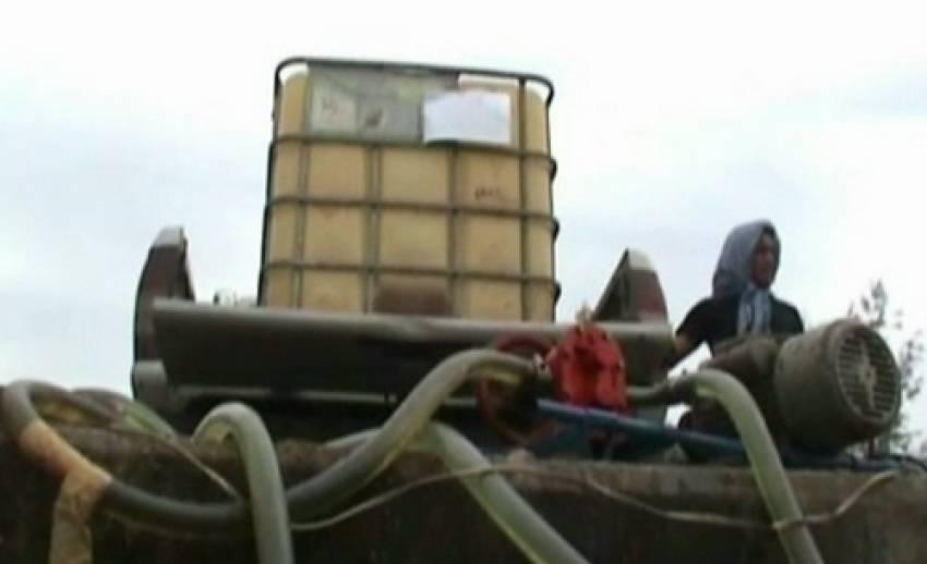 เจ้าหน้าที่จับเรือประมงดัดแปลงขนน้ำมันเถื่อนใน จ.สตูล