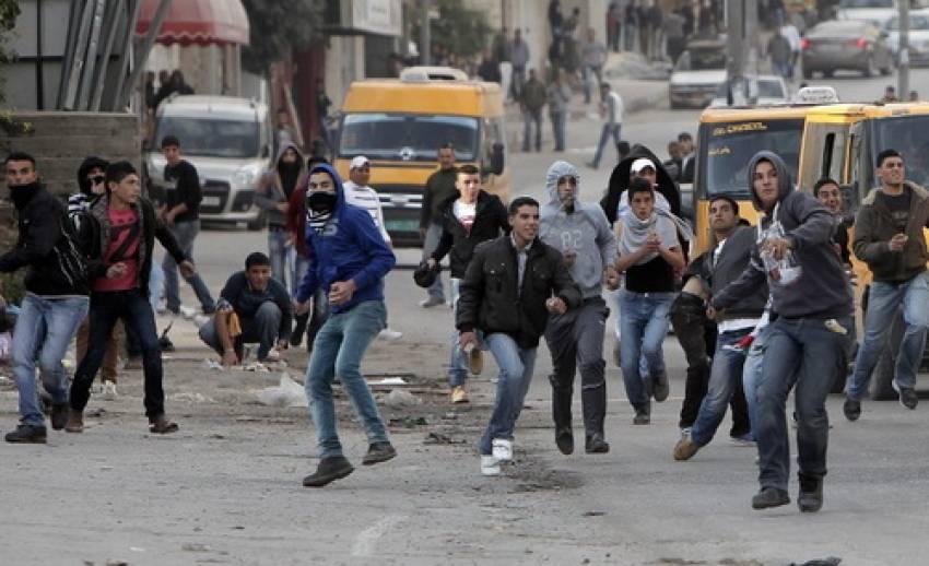 """""""ชาวปาเลสไตน์"""" ประท้วงอิสราเอลโจมตีฉนวนกาซ่า"""