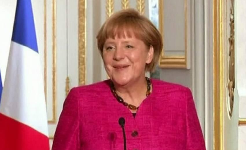ผู้นำเยอรมนีเกือบเรียกชื่อผู้นำฝรั่งเศสผิดคน