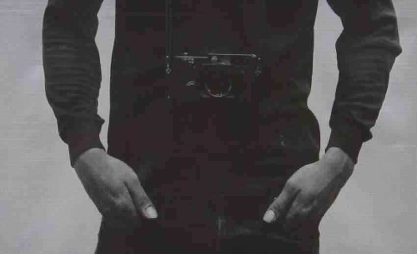 ตั้งคำถามกับตัวตนในนิทรรศการ Portraits with a leica