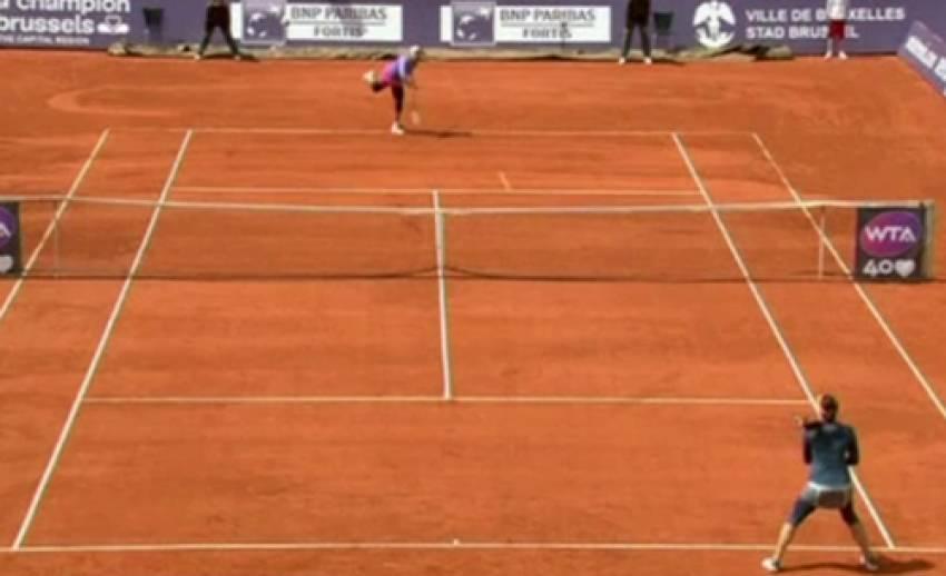 """""""เค-อา คาเนปรี้"""" มือเทนนิสไร้อันดับ พลิกล็อกชนะมือวางอันดับ 3 รายการ""""บรัซเซล โอเพ่น"""""""