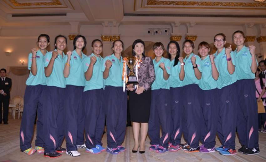 วอลเลย์ฯหญิงทีมชาติไทย พบนายกฯ หลังคว้าแชมป์เอเชีย-รับเงินอัดฉีด 2 ล้านบาท