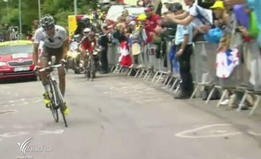 นักปั่นฝรั่งเศสคว้าแชมป์แข่งจักรยานทางไกล