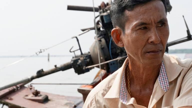 นายเฉลิมเกียรติ ไกรจิตต์ เกษตรกร หนึ่งในผู้เพาะเลี้ยงหอยแครง ต.บางตะบูน อ.บ้านแหลม จ.เพชรบุรี