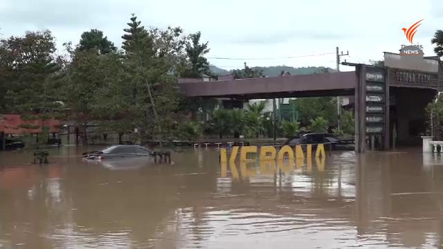, น้ำป่าทะลักท่วมโรงแรมปราจีนบุรี รถยนต์เสียหายอื้อ