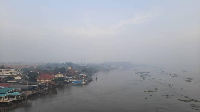 """, คนกรุงเผชิญฝุ่น PM 2.5 ชง """"ทำงานที่บ้าน"""" ช่วงวิกฤต"""