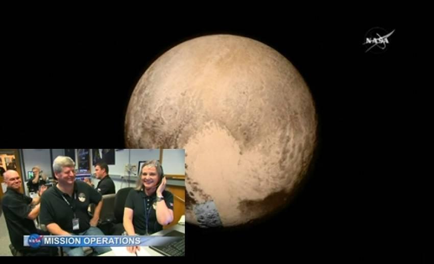 """ยานนิวฮอไรซันส่งสัญญาณจากดาวพลูโตกลับโลก """"ปลอดภัยดีไม่ถูกอุกกาบาตชน"""""""