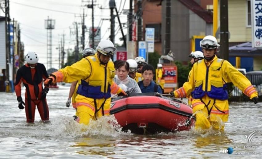 น้ำท่วม-ดินถล่มในภาคตอ.เฉียงเหนือของญี่ปุ่น ทางการอพยพประชาชนกว่า 1 แสนคน