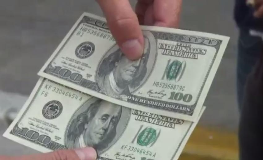 ตำรวจยึดแบงก์ดอลลาร์ปลอมใน จ.ชลบุรี มูลค่ากว่า 700,000 บาท