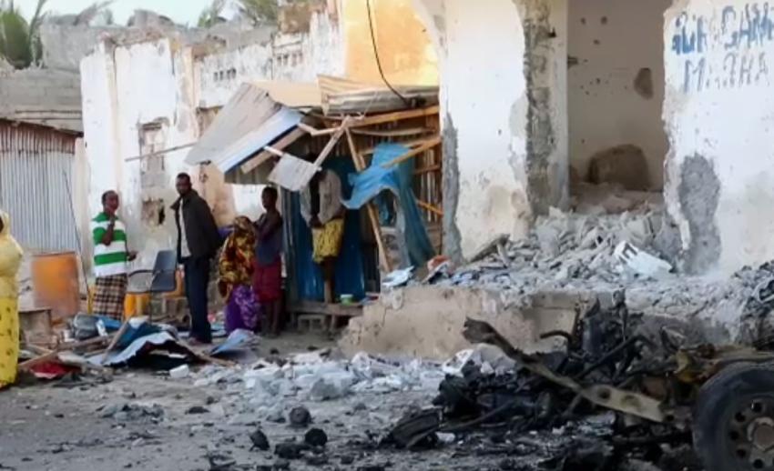 กลุ่มอัล ชาบับ อ้างอยู่เบื้องหลังโจมตีโซมาเลีย เสียชีวิตอย่างน้อย 20 คน